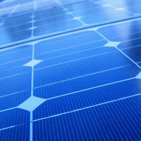 avantages des panneaux solaires photovolta ques thermiques. Black Bedroom Furniture Sets. Home Design Ideas